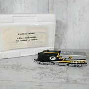 2000and039s Hawthorne Village Green Bay Packers - Locomotive Train - Excellent