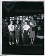 1958 Press Photo Governor And Mrs Robert Meyner At Donut And Milk Party