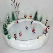 Vintage Skate And Glide Village Skating Pond Battery Operated Holiday Scene W/box