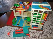 Vtg Fisher Price Little People Play Family Parking Red Ramp Garage 2504 Center