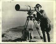 1941 Press Photo German Army Photographer With A Camera Off The Coast In France