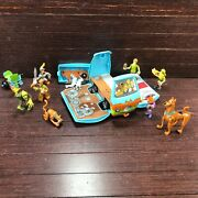 Collectible And Rare Scooby Doo Action Figure Lot W/fold Out Mystery Machine Van