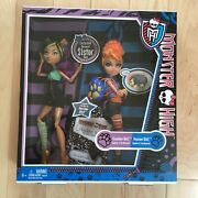 Monster High Clawdeen Wolf And Howleen Wolf Sisters 2-pack New In Box