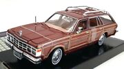 Motor Max 1/24 Scale Diecast 73200ac - 1979 Chrysler Lebaron Town And Country