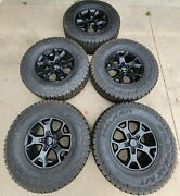 Hol 9218 17 Jeep Wrangler Rubicon Willy's Edition Factory Oem Wheels And Tires