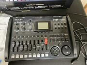 Zoom R8 Mtr Multi-track Recorder W/ac Adapter Usb Cable Fs01 Foot Switch Used