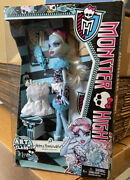Monster High Abbey Bominable Daughter Of The Yeti Art Class Doll Super Ghoul