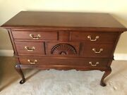 Mid 20th Century Queen Anne Style Mahogany Chest