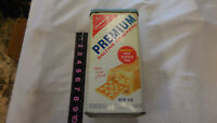 VINTAGE 1969 NABISCO PREMIUM SALTINE CRACKER TIN METAL CANISTER CAN BOX 14 OUNCE