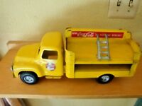 BUDDY L 1950'S COCA COLA YELLOW DELIVERY TRUCK VINTAGE 1950'S WITH DOLLIE