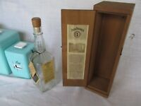 Jack Daniels 1994 Collectible Barrel House Wooden Box + Empty Bottle 2 hang Tag
