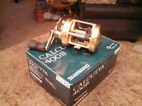 SHIMANO CALCUTTA 400B RIGHT HANDLE BAITCASTING REEL -- excellent cond...
