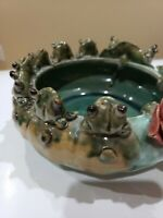 MAJOLICA VTG STYLE ART POTTERY 10 FROGS ON LILY PAD BOWL BAMBOO PLANTER