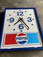 VINTAGE 1973 PEPSI COLA HANGING WALL CLOCK - PLASTIC - BATTERY OPERATED