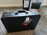 Brand New Samsonite Hard Black Leather Expandable Attache Briefcase with Box