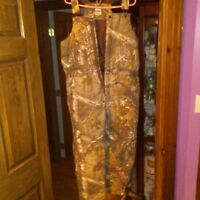 NWT Men's BERNE Insulated Hunting Apparel Cold Front Real Tree Camo Bibs-youthXL