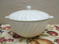 Vintage GMB Gladding-McBean Franciscan Swirl White Serving Bowl with Lid