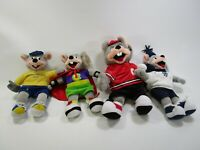 Lot of 4 vintage retro Chuck E Cheese Show Biz Pizza plush dolls NOS