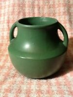 AMERICAN POTTERY 2HANDLED VASE MATTE GREEN UNK. MANUFACTURER VERY GOOD CONDITION