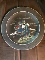 AS TRIFA NORWAY POTTERY HANGING PLATE BRIDE & GROOM HARDAWGER 1970 HAND PAINTED