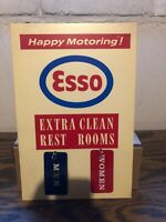 VINTAGE ESSO DEALER NOS RESTROOM HAPPY MOTORING SIGN KEY HOLDER