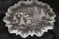 MIkasa Oval Christmas Platter with Charming Details: 17quot; x 12quot; New Never Used