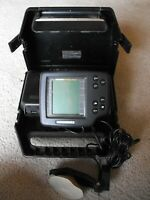Hummingbird Wide 100 Portable Fish Finder w Transducer amp; Carrying Case WORKS