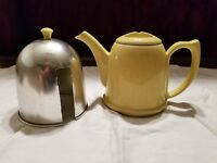 YELLOW TEA POT 6-CUP METAL HEAT SHIELD CERAMIC POTTERY VINTAGE  HALL MADE IN USA