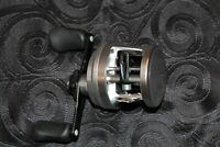 NEW SHIMANO CALCUTTA 200D RIGHT HANDLE ROUND REEL *1-3 DAYS FAST DELIVERY*