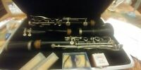 Bundy resonite clarinet with extras in hard case
