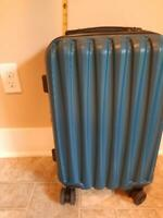 Samsonite 120753-1112 Winfield 3 DLX Hardside Luggage With Spinner Wheels - Blue