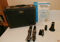 Bundy Resonite Selmer Clarinet with Hard Case