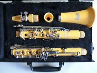 Rare Vito Yellow Dazzler 7312 Clarinet Ser. 029905 Beautiful Condition