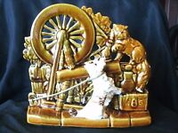MCCOY COLLECTOR SPINNING WHEEL PLANTER WITH SCOTTY DOG AND CAT IN MINT CONDITION