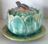 Pretty/Old Majolica Bird Atop Artichoke Covered Bowl in Excellent Condition