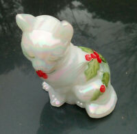 FENTON GLASS CAT IRIDESCENT WHITE HAND PAINTED CHRISTMAS HOLLY AND BERRIES