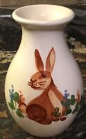VINTAGE 1994 EMERSON CREEK POTTERY BROWN BUNNY RABBIT IN CLOVERS VASE
