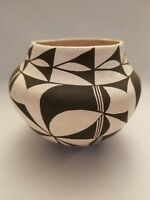 Acoma  New Mexico Indian Southwestern Pottery Small Bowl or Pot signed E.C. VNTG