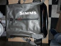 SIMMS Dry Creek Z Backpack, Waterproof fly fishing. Amazing Condition!