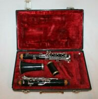 Vito Clarinet  with hard case In NEEDS REPAIRED SERIAL #140294