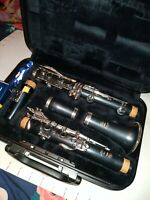 Yamaha YCL 250 Bb Premium Clarinet With Extras In Case