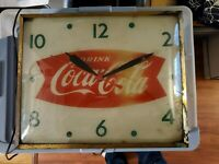 VINTAGE COCA COLA LIGHTED CLOCK RARE RED WITH GREEN NUMBERS