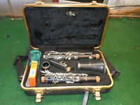 Selmer CL301 Clarinet With Hard Case very nice w/selmer mouth piece