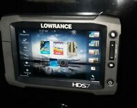 Lowrance HDS 7 Gen 2 Touch   Fish Finder    Sun Cover   and  transducer