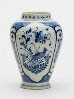ANTIQUE ENGLISH DELFT VASE PAINTED WITH BIRDS 18TH C.