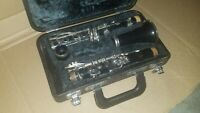YAMAHA CLARINET MODEL 20 -- NO MOUTHPIECE