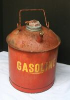 VTG Thick Metal Gas Can   1 1/2  2  Gallon ?