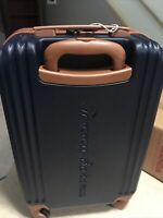 New TOMMY BAHAMA 20quot; Spinner Carry On Hardside Suitcase Travel Luggage NAVY
