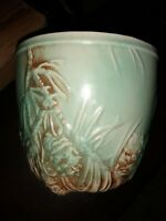 FLOWER POT PLANTER! Vintage McCOY ART pottery PINE CONE pattern mint green glaze