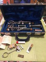 Selmer Bundy Resonite Clarinet W/Case Selling as is. Estate Clean Awesome